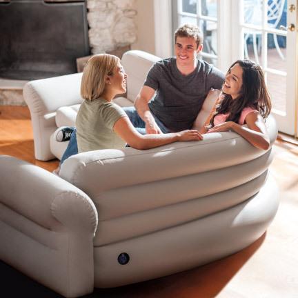 Une grande gamme de mobilier gonflable INTEX