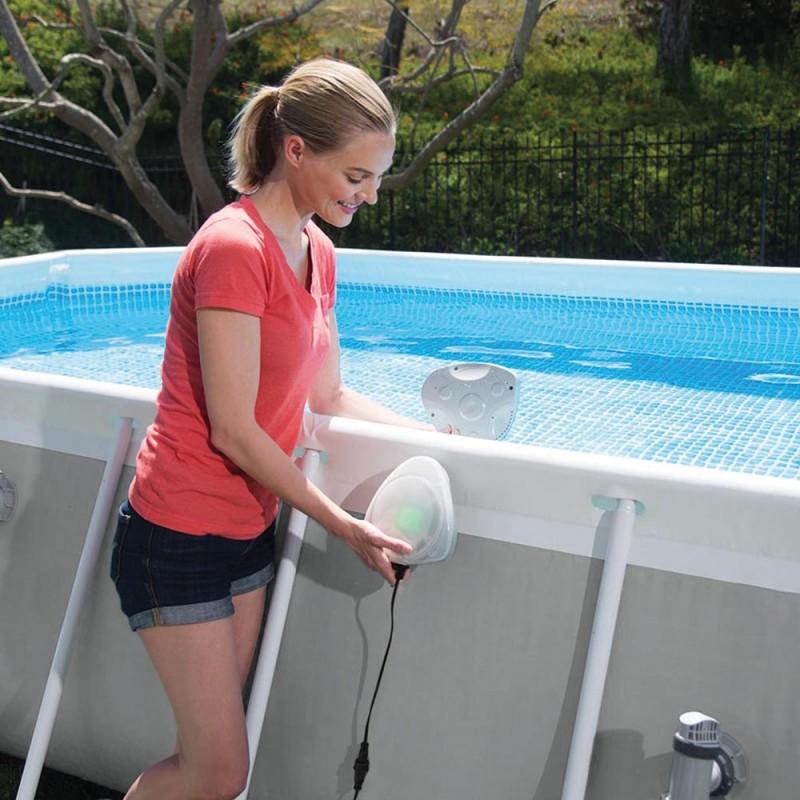 28698-Spot-piscine-led-Intex(4)